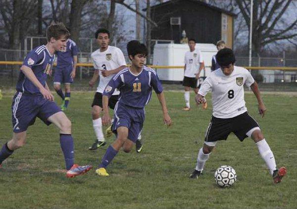 05sports tigers soccer