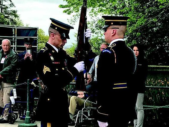 5  Arlington Cemetary guards