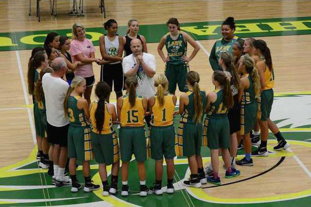 Darvin Gill and his new team at Rhea County High School no ph credit