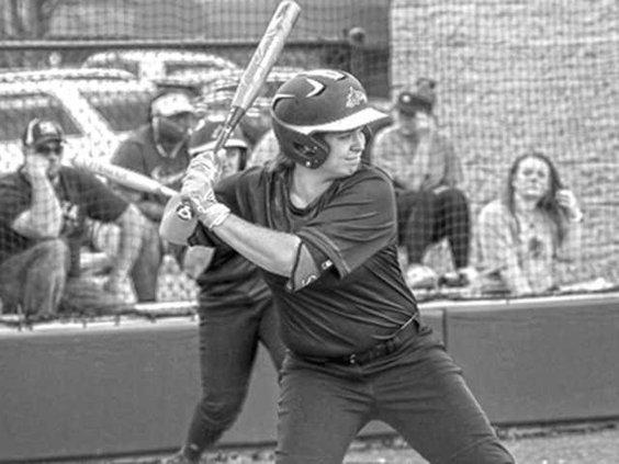 college softball girls 5-16