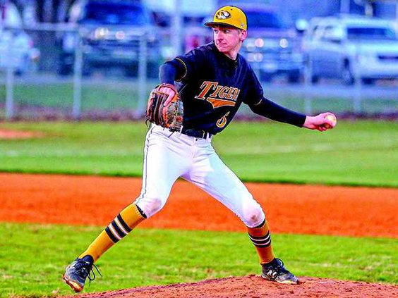 DCHS pitcher Hunter Jennings is ATHLETE OF THE WEEK