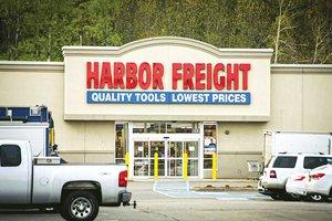 Harbor Freight outside.jpg