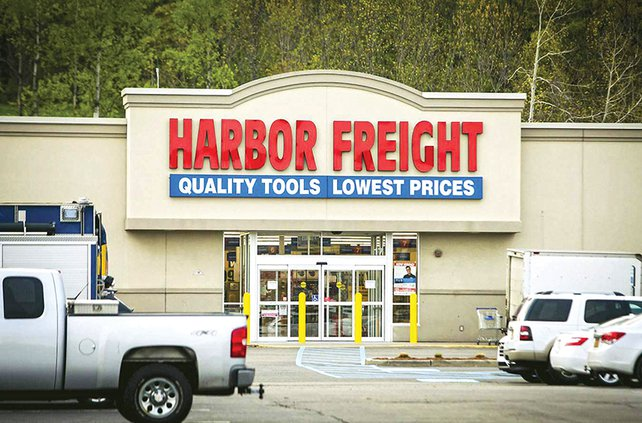 Harbor Freight outside.jpg