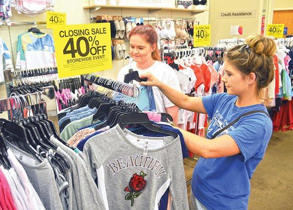 Goody's shoppers.jpg