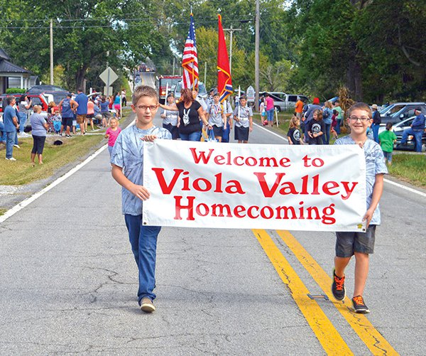 viola homecoming parade.jpg