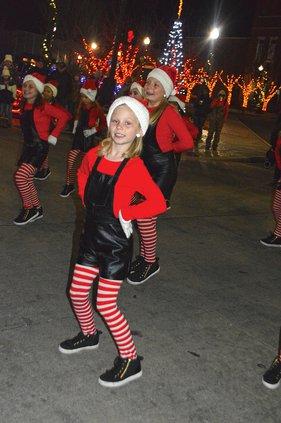 Christmas in the park - dancer.jpg